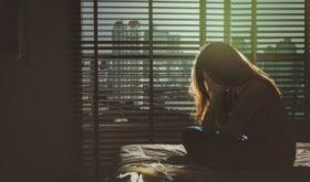 История женщины, которая лишь спустя 7 лет брака узнала, что ее тайно насиловал муж