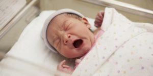 Жительница Пскова продала новорожденную дочь знакомой из соцсети