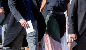 Модные провалы королевских особ: от дырявых ботинок до рваных колготок