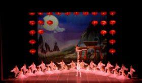Китайская акробатическая версия «Щелкунчика»: это нужно увидеть!