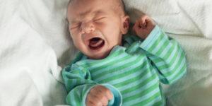 Колики у новорожденных и детей до года: больно, но не страшно