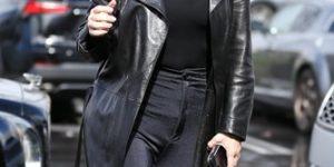 Ким Кардашьян ответила на критику своей внешности и рассказала, что за «прыщи» у нее на лице